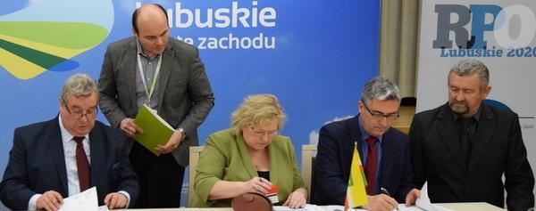 podpisanie-umowy-aktywna-integracja