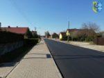 Droga powiatowa z nową nawierzchnią
