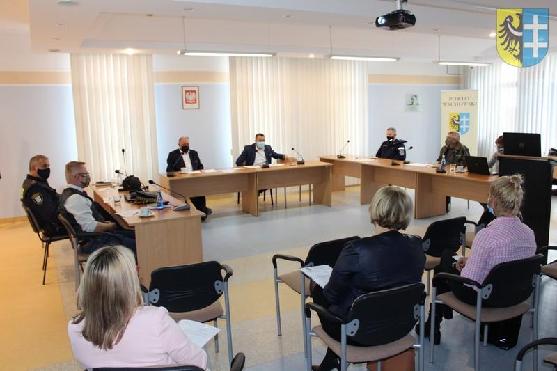 Powiatowy Zespół Zarządzania Kryzysowego podczas narady
