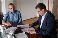podpisanie-umowy-w-sprawie-praktyk-dlas-uczniow-SOSW