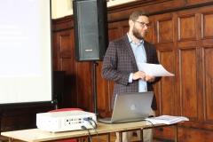 Konsultacje prowadzone były przez przedstawiciela Fundacji Rozwoju Demokracji Lokalnej Małopolskiego Instytutu Samorządu Terytorialnego.
